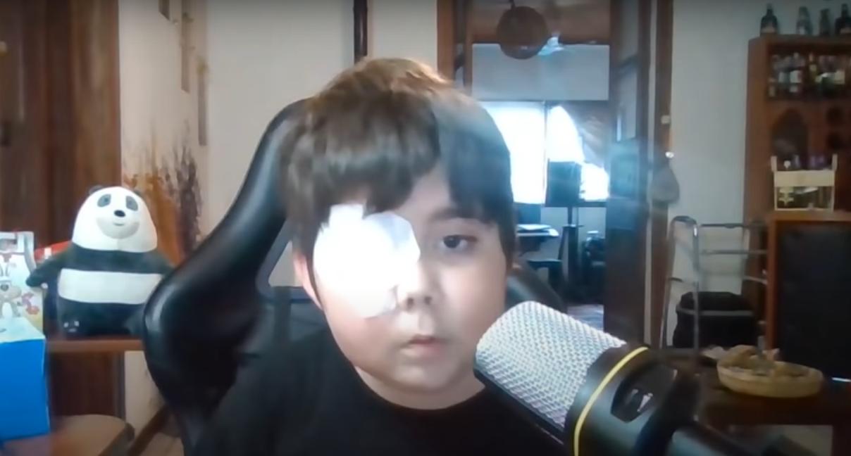 Tomás, niño Youtuber con cáncer llega al millón de suscriptores