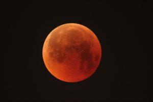 Así se vivió el eclipse lunar y la superluna