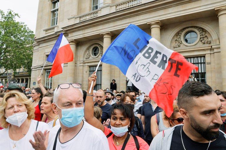 Protestas en Francia contra la vacunación anticovid