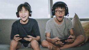 China prohíbe a los menores de edad jugar videojuegos entre semana