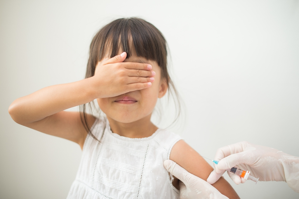 La FDA podría autorizar una vacuna covid para niños pequeños